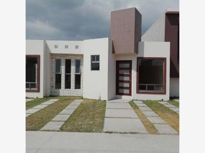 Casa Sola En Venta Montenovo, Residencial Con Alberca Climatizada.