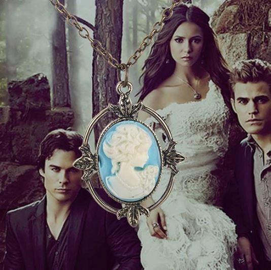 Colar Pingente Camafeu Katherine Pierce The Vampire Diaries