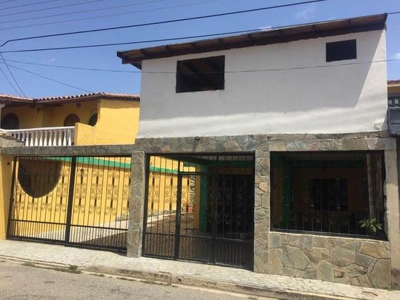 Town House En Naguanagua Codigo 20-17804jv