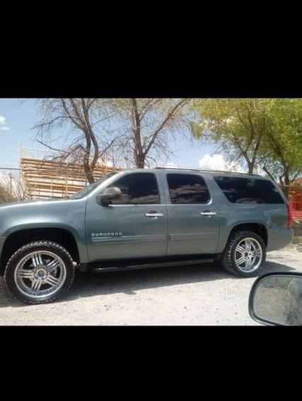 Chevrolet Suburban A Tela Aa At 2010