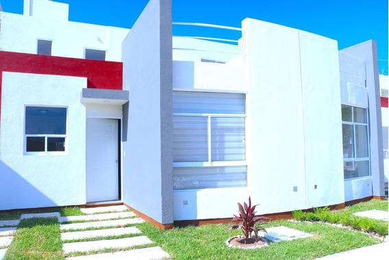 Casa De 1 Piso , 2 Recamaras, Baño, Cocina, Comedor
