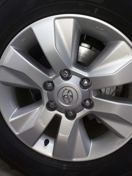 Toyota Hilux Llamtas De Aleación