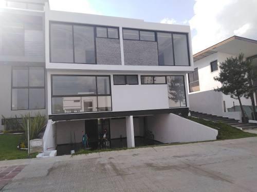 Hermosa Residencia En Venta En Puerta Las Lomas On Roof Garden
