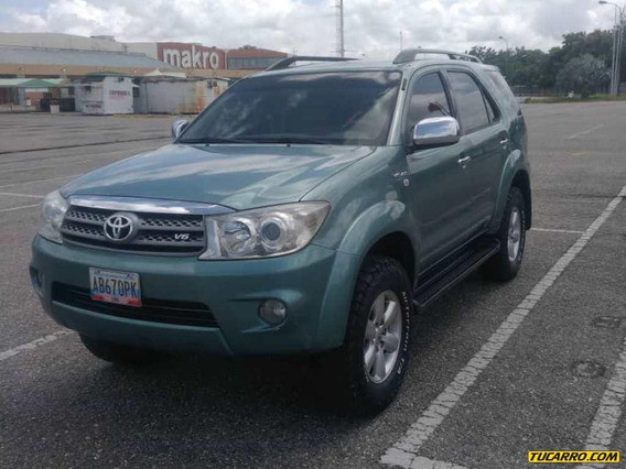 Toyota Fortuner Sport Wagon Automático