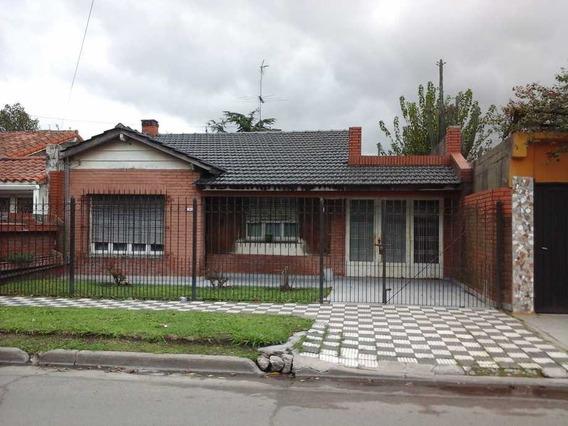 Casa En Venta En Castelar Sur