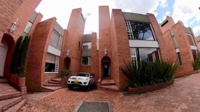 Casa En Venta La Calleja Bogota 19-896 Ama