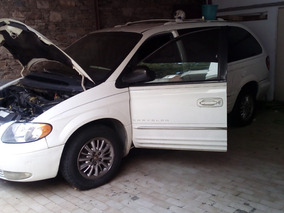 Camioneta Van Minivan Chrysler Town & Country. 8 Puestos