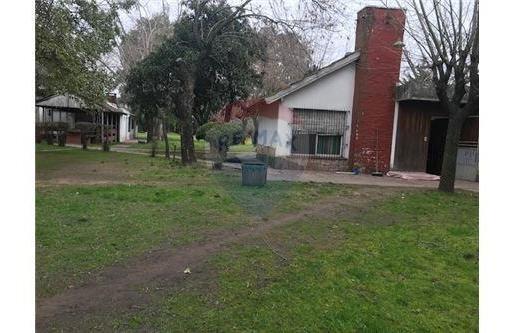 Venta Casa Quinta Gonzalez Catan 3400 M2