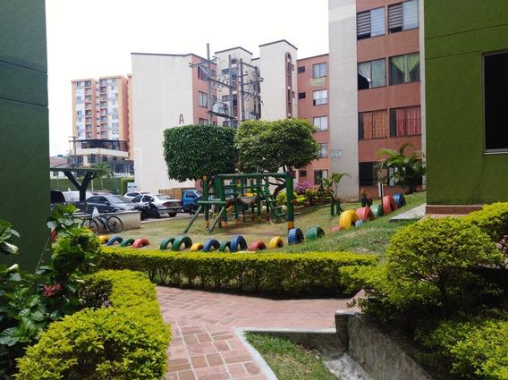 Hermoso Apartamento, En El Conjunto Residencial Miraflores