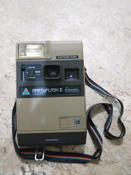 Câmera Polaroid Eletronic Flash Uses Kadamatic Instant Color