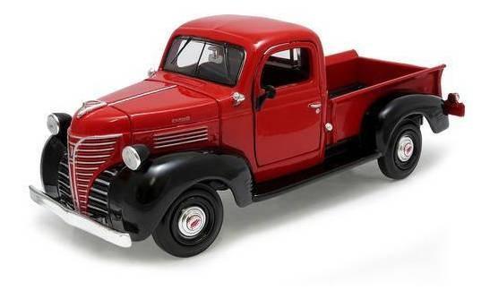 1941 Plymouth Truck Vermelho - Escala 1:24 - Motormax