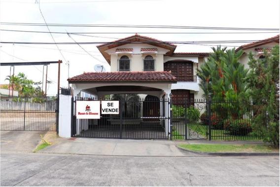Venta De Casa En El Carmen 19-4178hel**