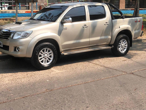 Imagen 1 de 15 de Toyota Hilux 2015 3.0 Cd Srv Cuero 4x4 5at - A4