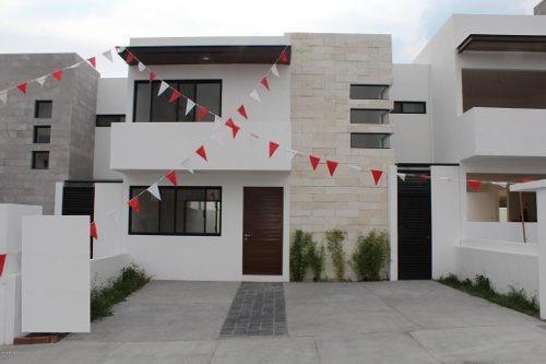 Casa En Venta En El Refugio, Queretaro, Rah-mx-19-1228