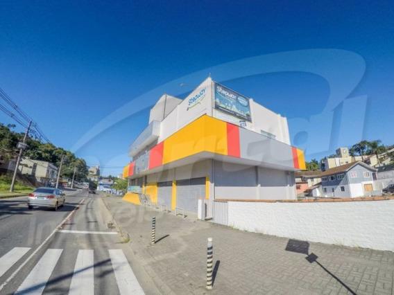 Ampla Sala Comercial Com 02 Banheiros Localizado No Bairro Velha, Com Aproximadamente 305 M², Vagas De Estacionamentos - 3578875