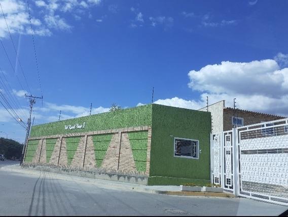 Bella Casa De Dos (2) Planta, Para Que Decores A Tu Gustó