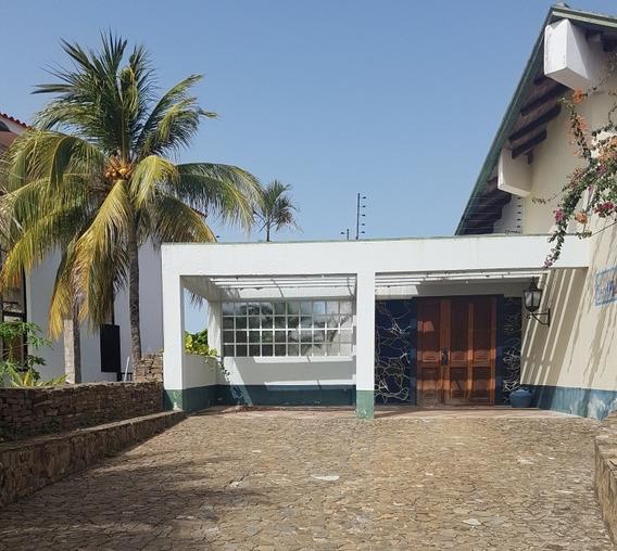 Oportunidad,venta De Casa En Playa Moreno. Isla De Margarita