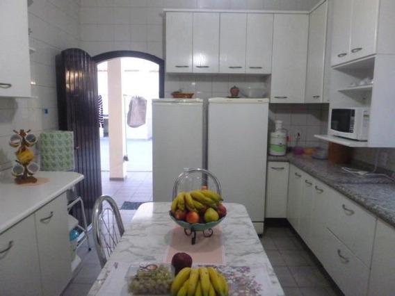 Casa Em Centro, Itapevi/sp De 217m² 2 Quartos Para Locação R$ 5.000,00/mes - Ca306058