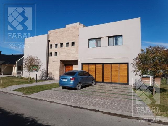 Venta Casa Comahue Golf Club, Barrio Privado