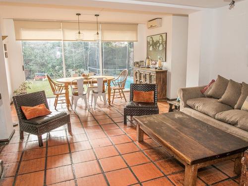 Casa En Jardines De Carrasco Ref. 7838