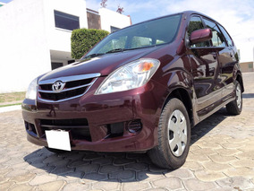 Espectacular Toyota Avanza Premium Manual 2011