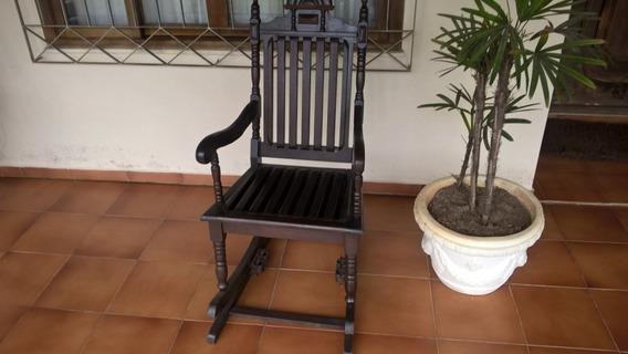 Cadeira De Balanço Antiga (toda Em Madeira) Relíquia Rara