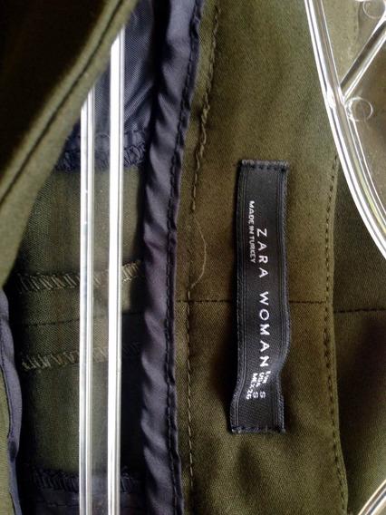 Pantalón. Zara