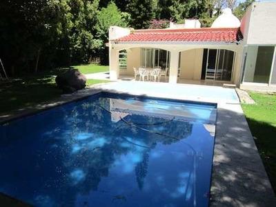 Un Nivel Magnifica Casa En Privada En Rancho Cortes