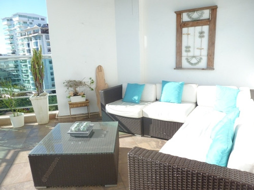 Imagen 1 de 14 de Penthouse En Urbanizacion Real, 3 Habitaciones, 3 Baños,