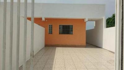 Casa Com 2 Dormitórios Em Itanhaém, Financia - 5228/p