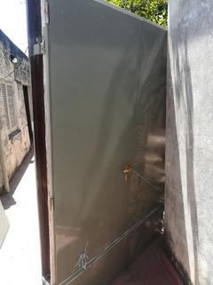 Puerta Placa Doble 140 Cm, Marco De Chapa