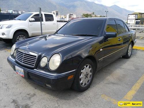Mercedes Benz  E-310 Automático