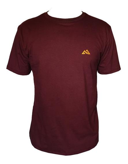Camiseta Mountain Wear Bordô / Cm03