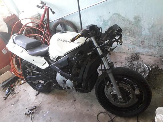 Kawasaki Zx600e