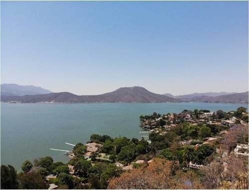 ¡oportunidad! Terrenos Con Excelente Ubicación Y Vista Al Lago.