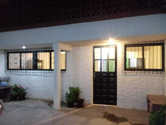 Casa Sola 2 Recamaras 1 Baño Con Tina Cocina 2 Autos