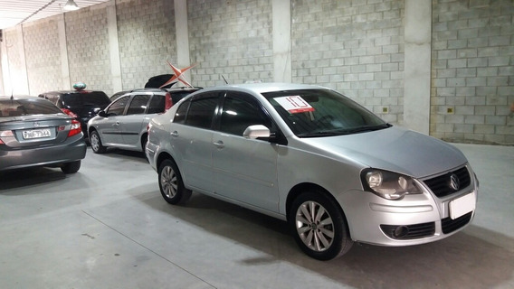 Volkswagen Polo Sedan 1.6 Vht Total Flex I-motion 4p 2010