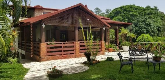 Villa De Venta En Jarabacoa Rmv-168