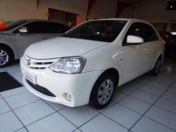 Toyota Etios Sedan Xs 1.5 16v (flex) 2014