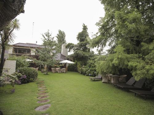 Casa En Venta Con Piscina En Carrasco Ref. 4163