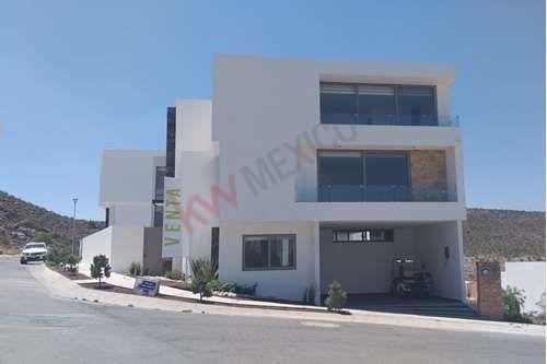 Casa En Venta, Club De Golf La Loma $6,950,000.00 Incluye Acción