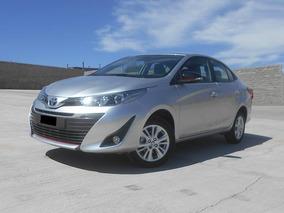 Toyota Yaris S Mt Sedán 2018 Plata
