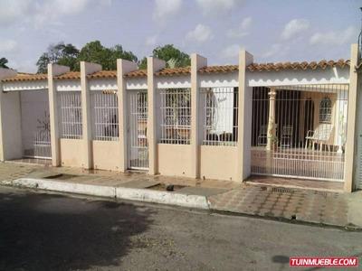 Casa En Venta. Nueva Cumana