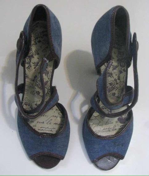 Sapato Retro Colcci.