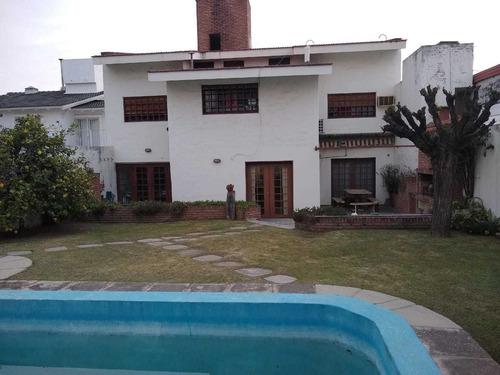 Imagen 1 de 30 de Casa En Venta Sobre Pelagio Luna Al 3800 Barrio Urca !