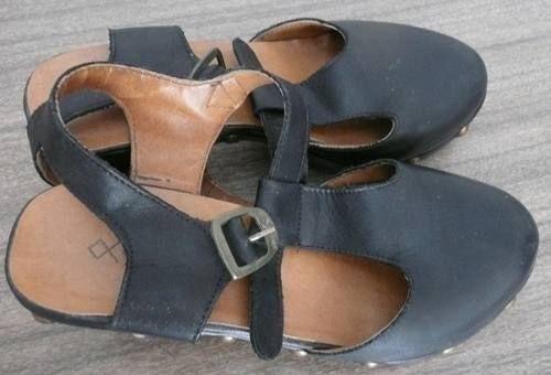 Zapatos Suecos Nazaria Negros.