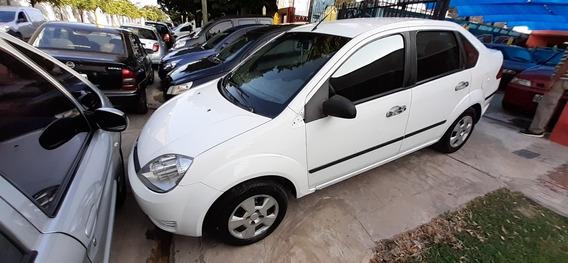 Ford Fiesta Max Aire Y Dirección