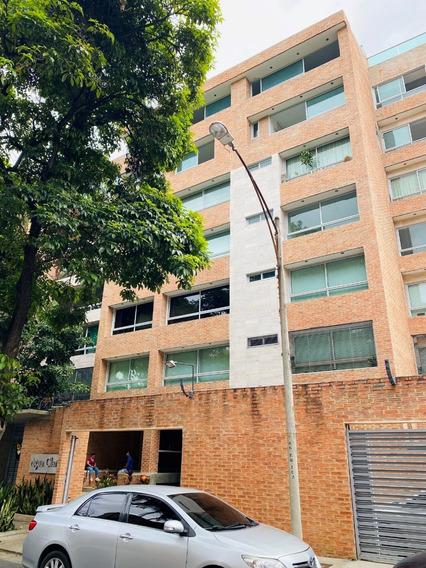 Apartamento En Alquiler - Urb. Naranjos De Las Mercedes