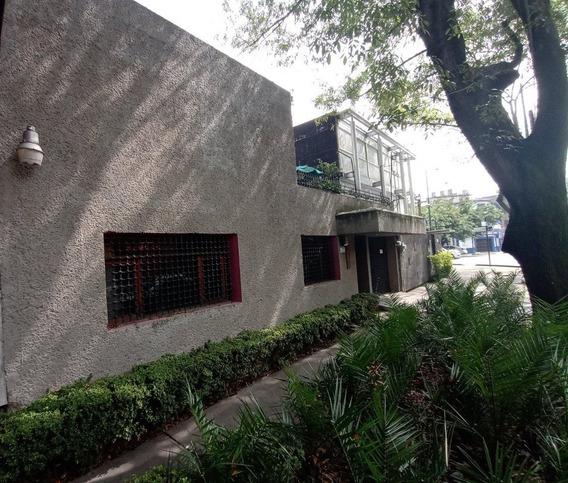 Casa En Excelente Ubicación, Ideal Habitación / Oficina