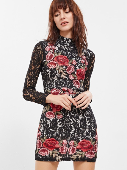 Vestido De Encaje Con Bordado De Rosas
